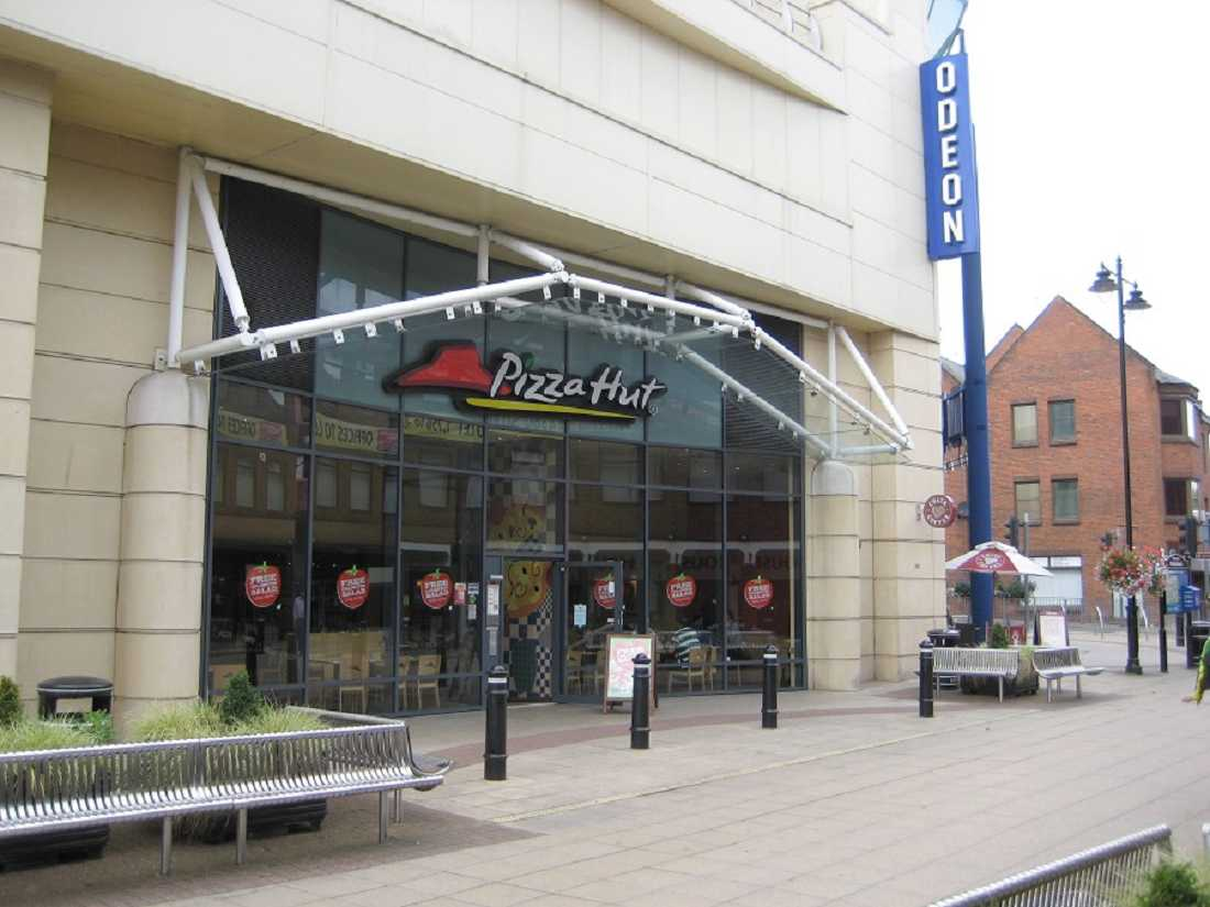 restaurants for or to let pizza hut maidenhead sl6 1hj