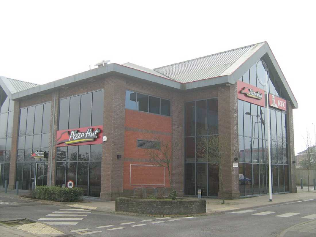 restaurants for or to let pizza hut frome ba11 4dh