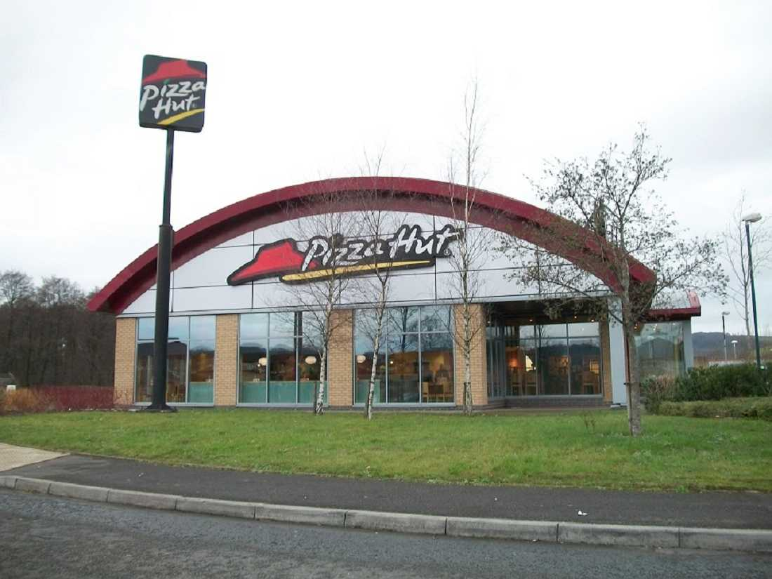 restaurants for or to let pizza hut caerphilly cf83 3nl